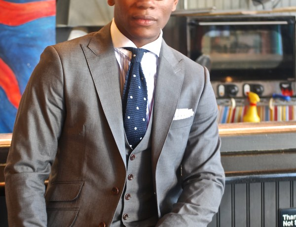 Sabir Peele of Men's Style Pro in Dragon Inside Everday Grey Suit