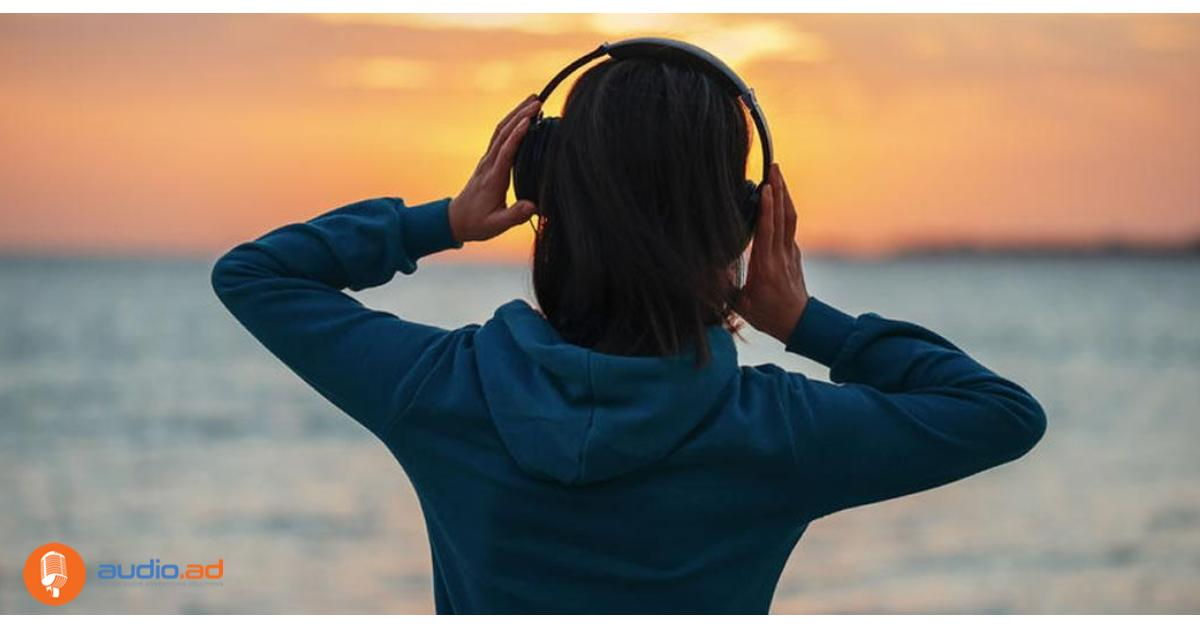 Los hispanos aman el audio digital (Partner Message)