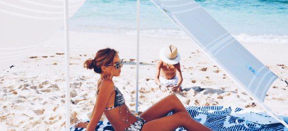 beach-towel-tent