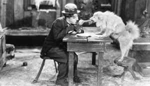 Charles_Chaplin_in_The_Gold_Rush_1925-10-XXxXXcm_BW_XXXDPI_RGB