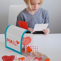 Play Mail Box