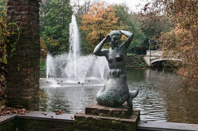 Leopold Park Mermaid Statue.