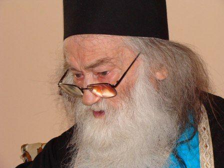 iustin3 Părintele Iustin   Minunea de a crede
