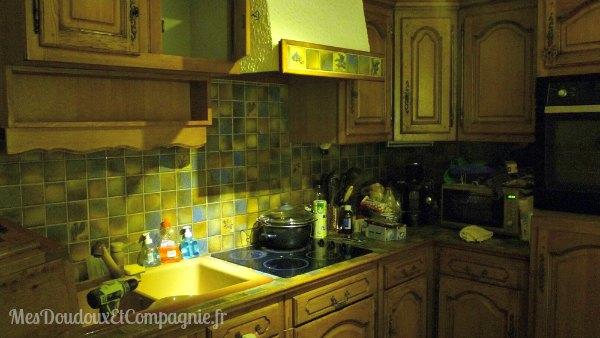 peindre une hotte de cuisine en bois. Black Bedroom Furniture Sets. Home Design Ideas