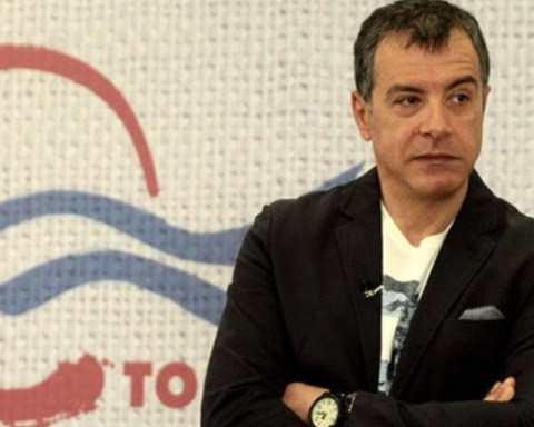 messiniapress-theodorakis
