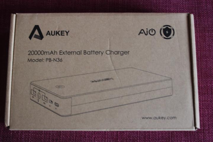 test-aukey-batterie-externe-20-000mah-1