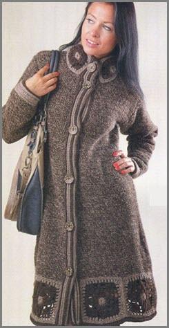 Тёплое вязаное пальто с орнаментом