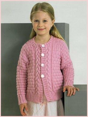 Девочка в розовой кофточке