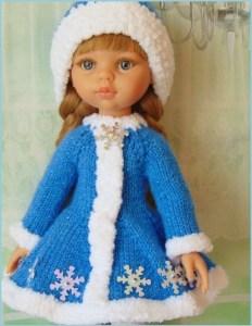 Кукла в наряде Снегурочки