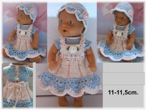 Кукла в вязаной шапочке и сарафанчике