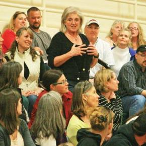 School district info meeting draws IB skeptics–and supporters