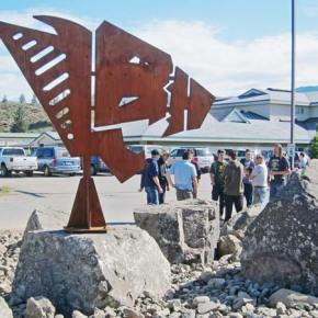 Steel sculpture of Mountain Lion logo installed at LBHS
