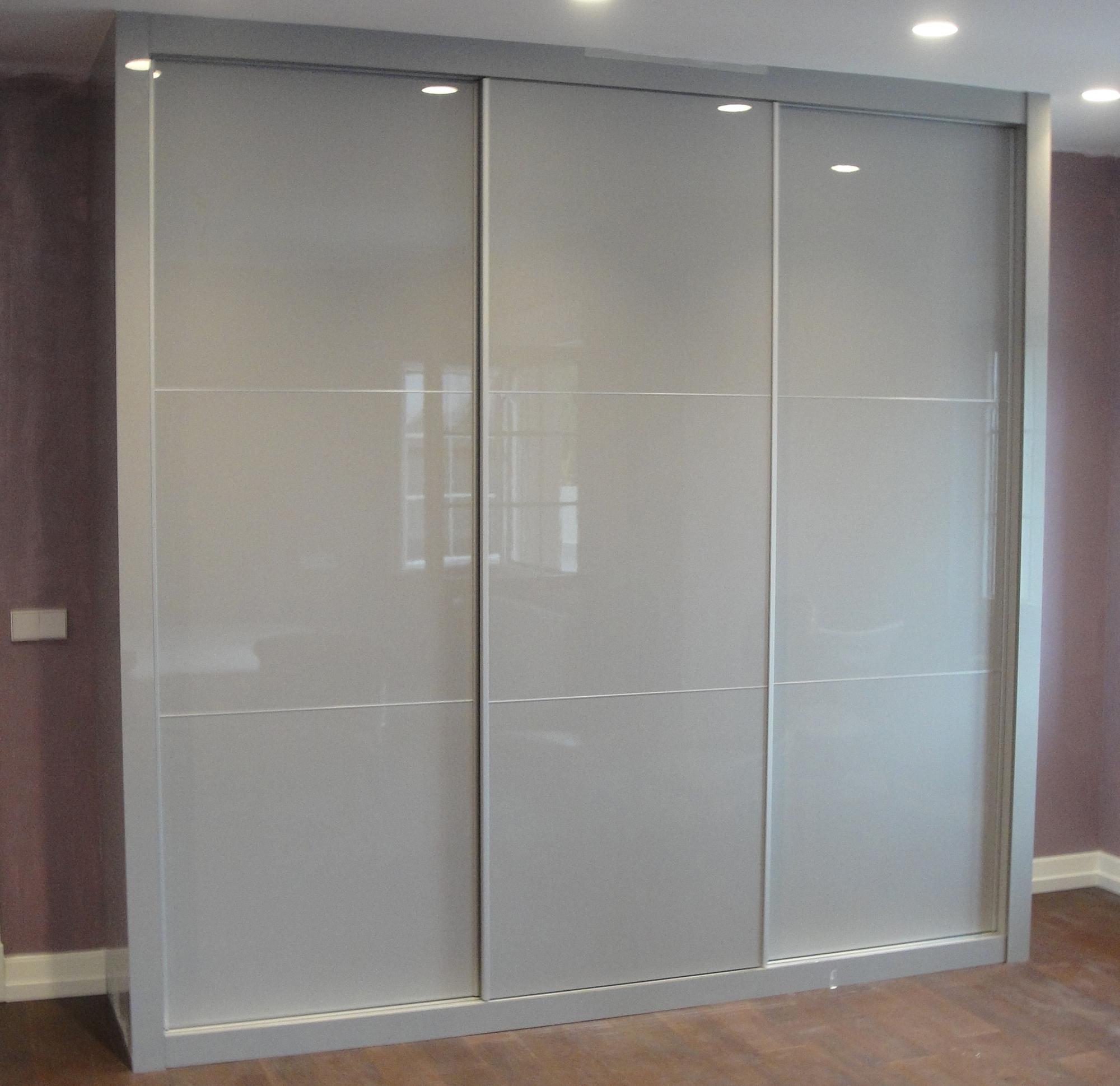 Puertas a medida madrid top serie puertas lacadas puertas - Puertas correderas o abatibles ...