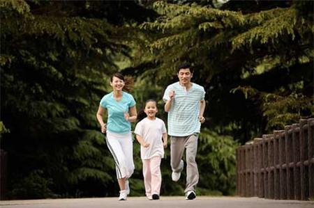Một gia đình năng động là một gia đình hạnh phúc, vì thế hãy gắn kết mọi thành viên bằng một vài hoạt động nào đó.