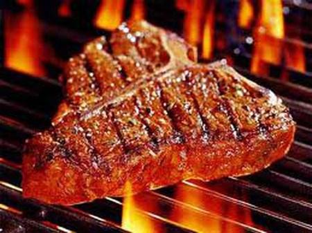 Thịt hun khói chứa nhiều muối làm giảm hấp thu magie trong cơ thể