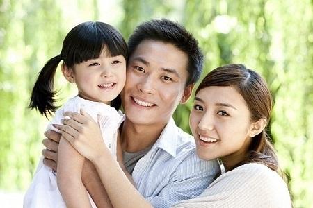 """Hãy luôn nói """"Mẹ/bố yêu con"""", lời nói ấy sẽ giúp bọn trẻ cảm thấy ấm áp và an toàn."""
