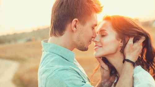 Όλα όσα πρέπει να γνωρίζετε για το φιλί, δώστε προσοχή