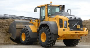 Volvo Construction Equipment loading shovel pumps up the gas