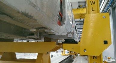 Lloyds Somers lifting jacks float on air technology