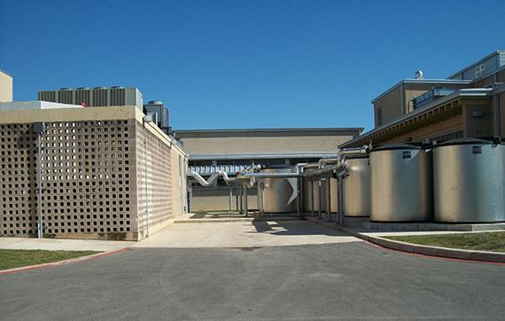 icebank_energy_storage_at_alamo_heights_tx