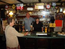 Friendly welcome at the Lamb and Fox, Pwll Ddu