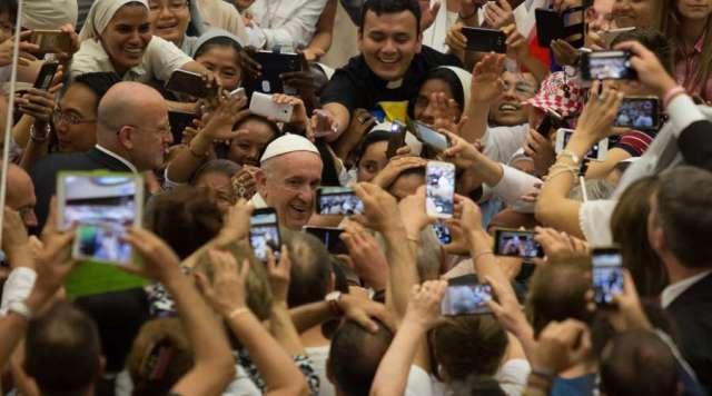 Papa Francisco: Es triste que algunos católicos se crean perfectos y desprecien al resto