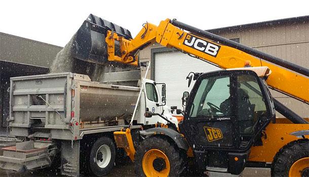 A KCATA salt truck loading up during an earlier February 2015 storm. Courtesy KCATA.