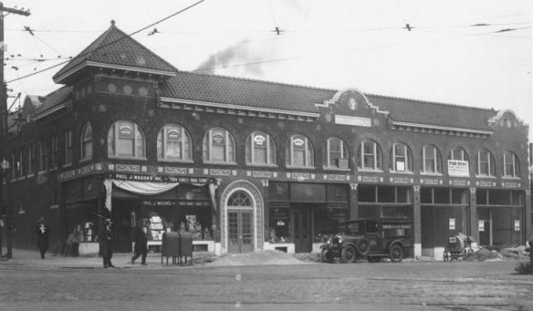 The Karnopp Building at 43rd and Main in 1930. Courtesy Kansas City Public Library - Missouri Valley Special Collections.