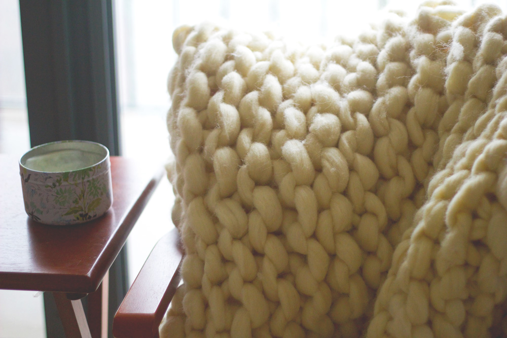 DIY giant chunky knit blanket