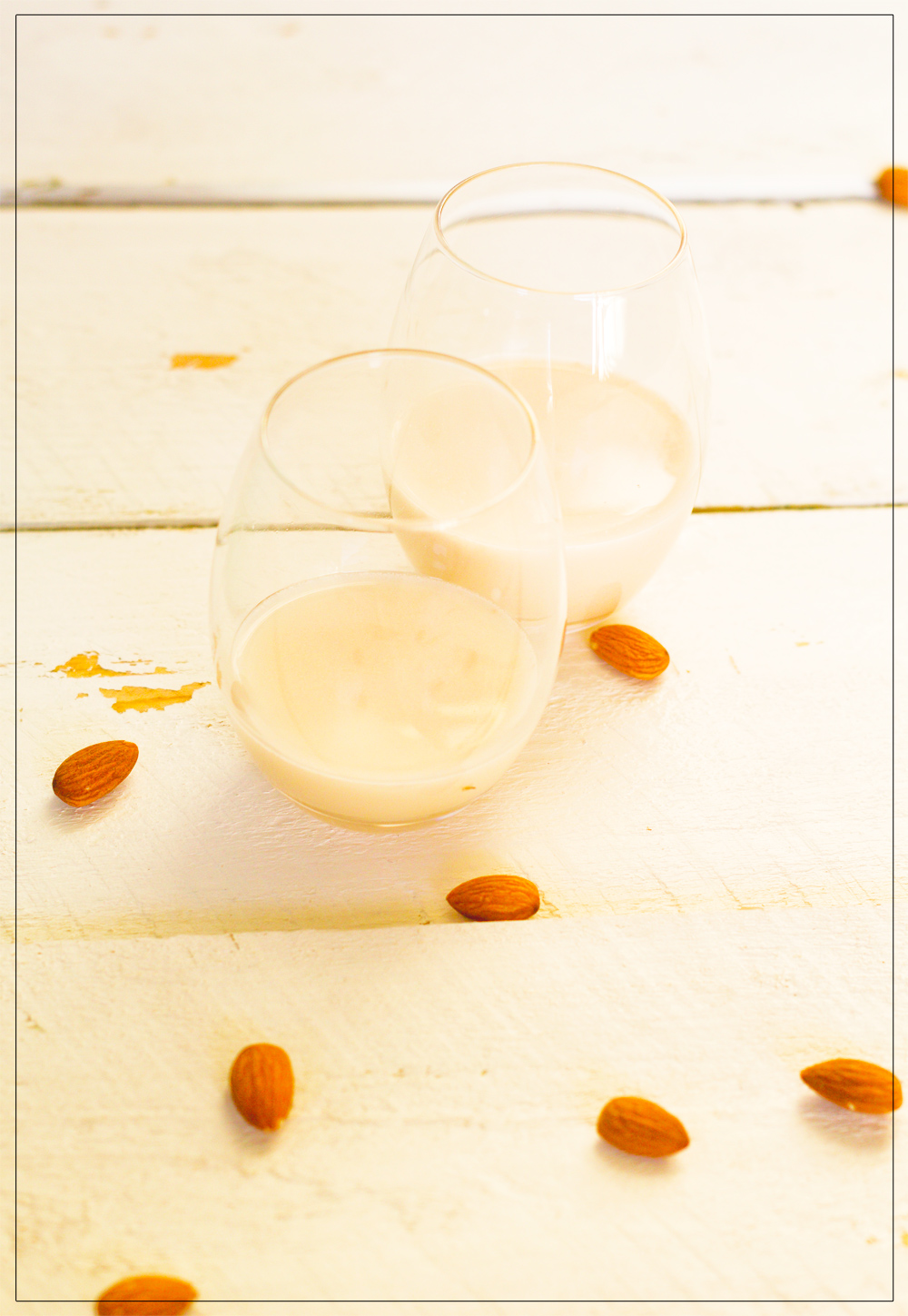 the only way to drink almond milk without an additives: make your own!