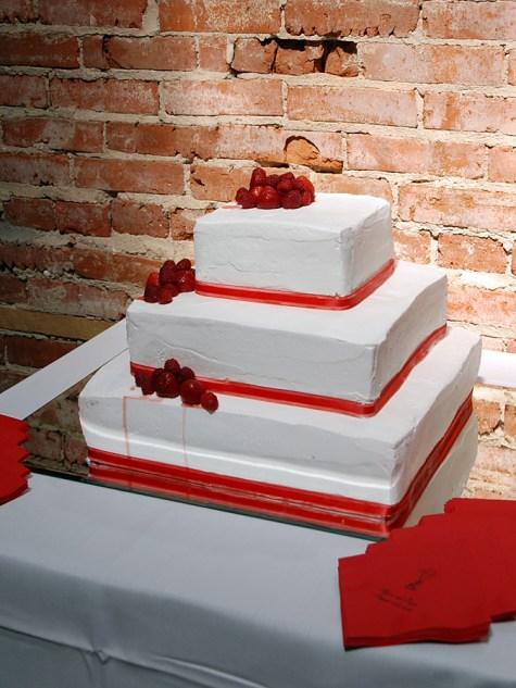W-red-cake