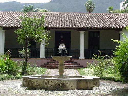 Quinta-Anauco