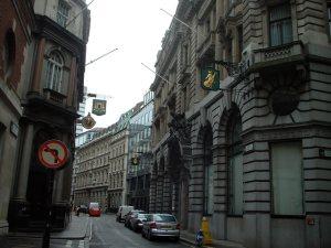 Scorcio della Lombard Street di oggi (foto di Peter Jordan da Wikipedia)