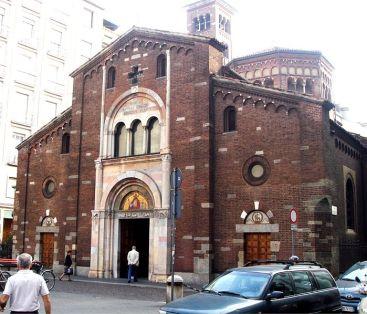 La facciata così come si presenta dopo il rimaneggiamento di fine secolo XIX (foto di G. Dall'Orto)