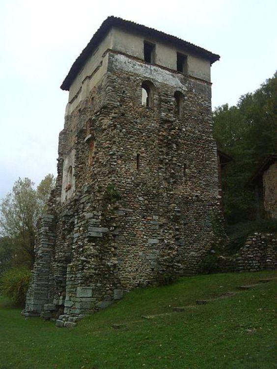 La torre romana del Monastero di Torba (foto Adelchi)
