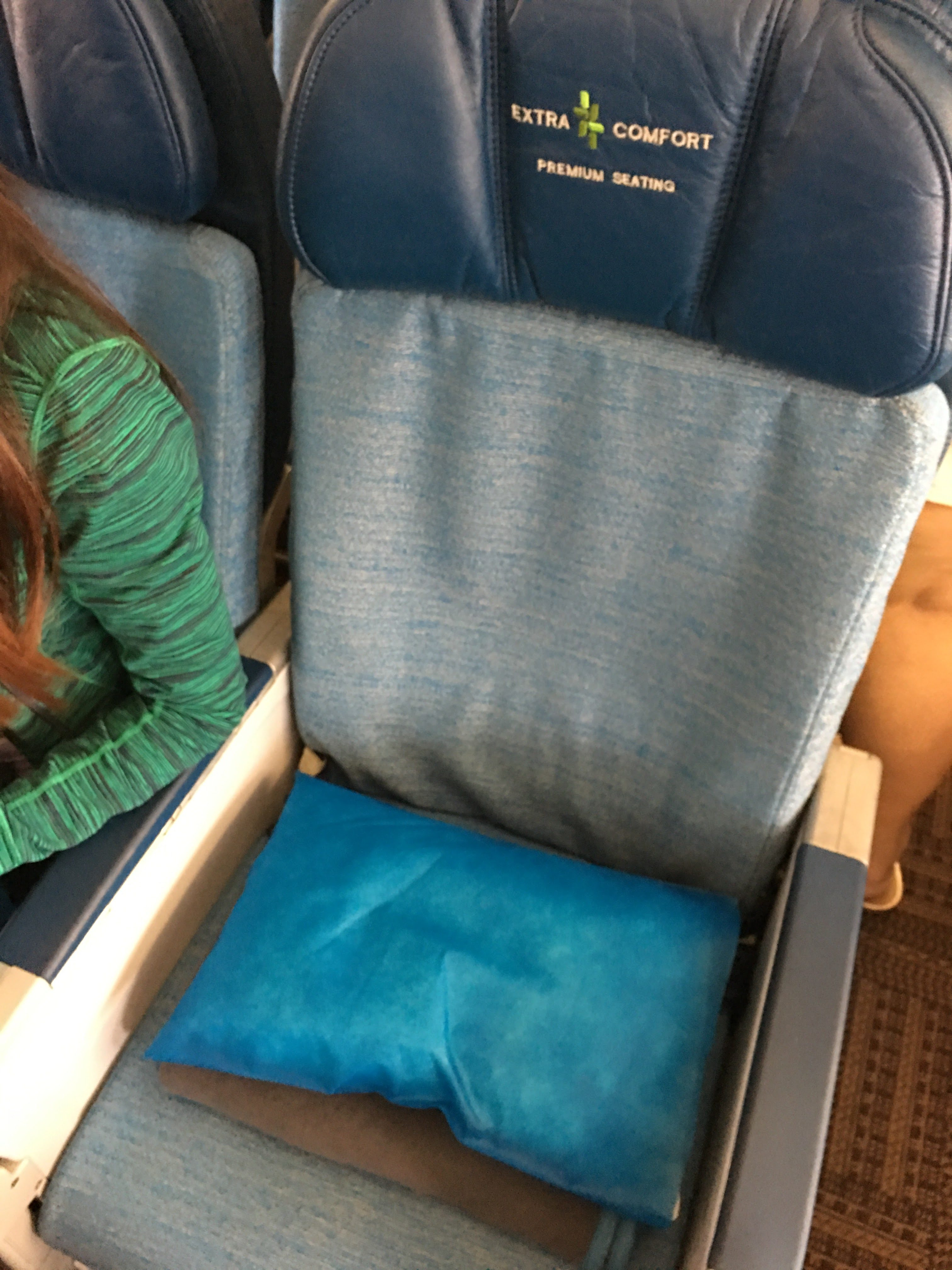 Review – Hawaiian Airlines HA29 A330 Seattle to Maui in fort