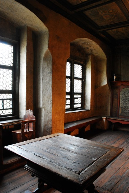 Luther's dining room; table talks for young theolgians.