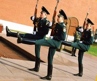 Change_of_Guards,_Tomb_of_the_Unknown_Soldier,_Moscow_(149199033)