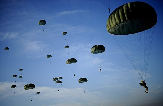 Hitting the Silk – 15 Airborne Operations Carried Out Since World War Two