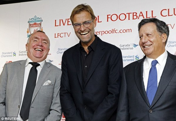 2D3A48B900000578-3266211-There_was_time_for_Klopp_Werner_and_Ayre_to_share_a_joke_at_the_-a-29_1444387955704