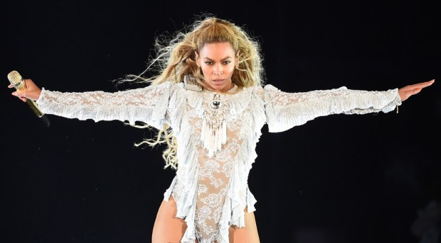 rs_1024x566-160915101739-1024-beyonce-los-angeles-concert