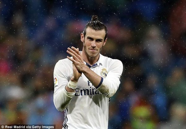 39a6015b00000578-3889532-gareth_bale_has_put_pen_to_paper_on_a_new_deal_keeping_him_at_re-a-15_1477915544208