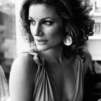 Saatlerce Dinlenebilen Kadın: Jehan Barbur