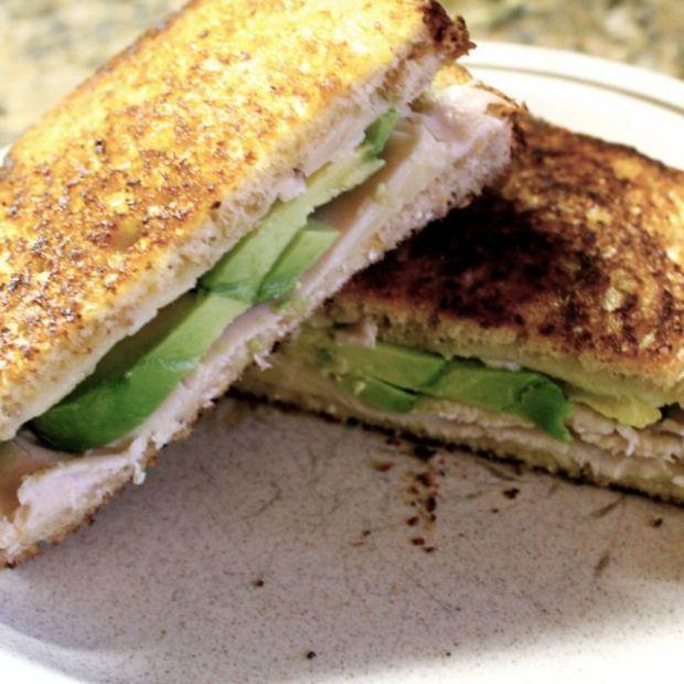 Grilled -Avocado-Turkey-Chedda-rSandwich