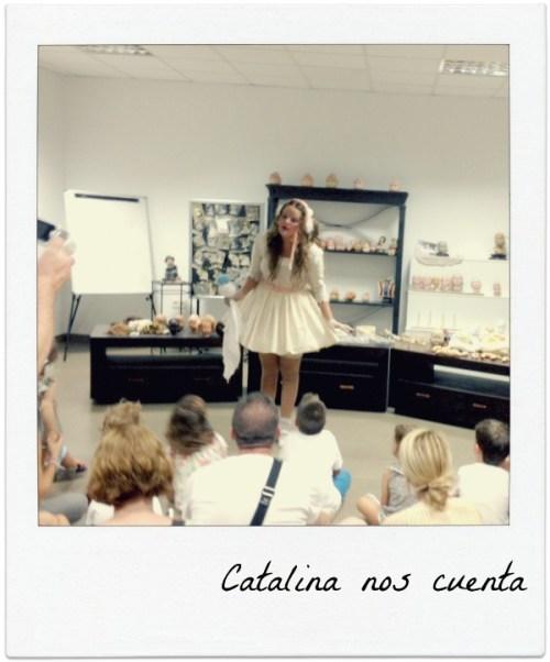La muñeca Catalina despertó al oirnos llegar al Museo de la Muñeca y nos lo explicó todo