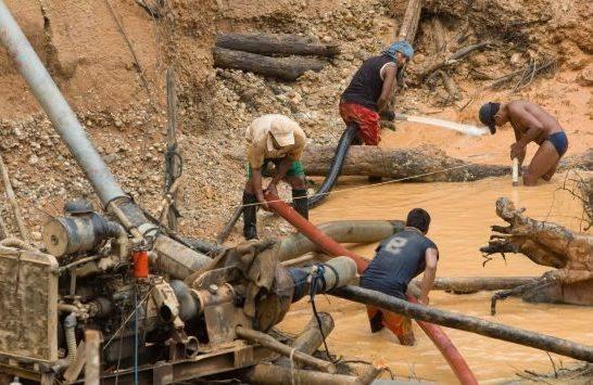 Colombia por reducir impacto de minería ilegal