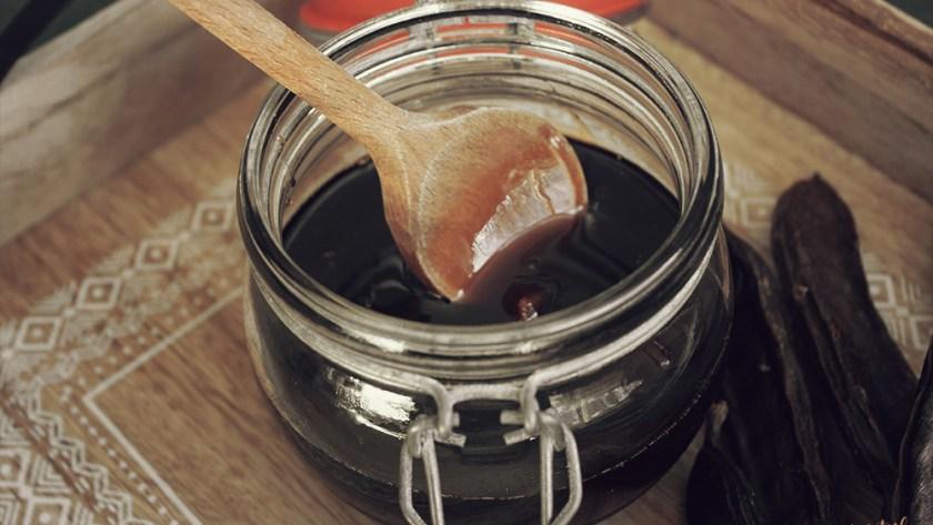 De geneeskracht van johannesbrood siroop (carob) & meer
