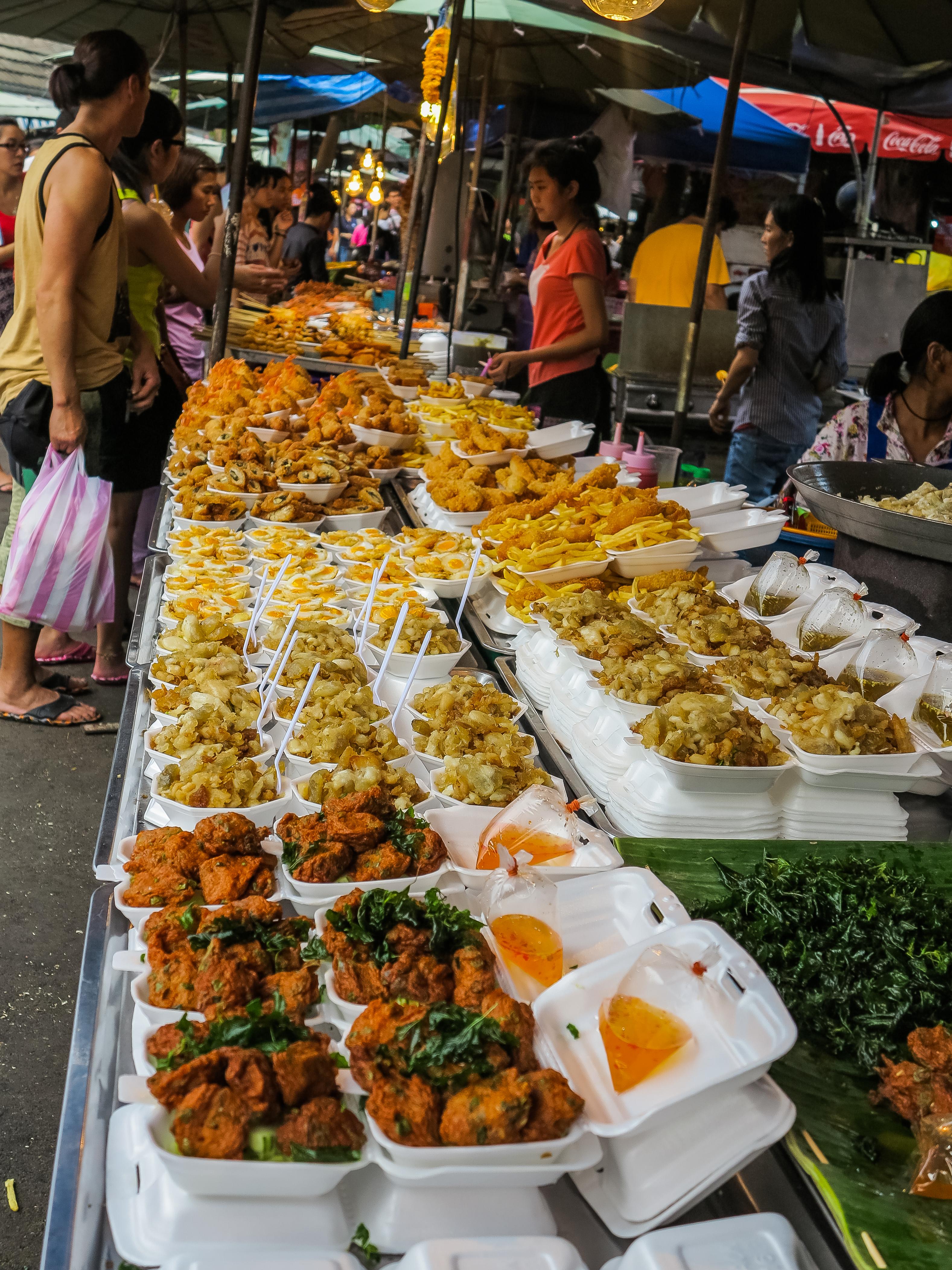 Bangkok shopping tips minority nomad for Shopping cuisine