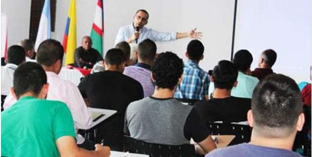 El Doctor Saulo Andrés Chamorro realizó ponencia en el Seminario de Selección y Medición de Talento Deportivo.