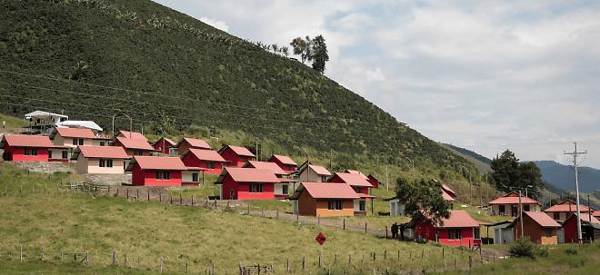 MinAgricultura destinó recursos para vivienda rural a 27 departamento